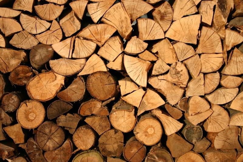 Menjava peči na drva je velik finančni zalogaj